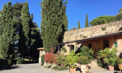 Villa breaks in Tuscany. Lost in Chianti between villas, winery, cooking lessons