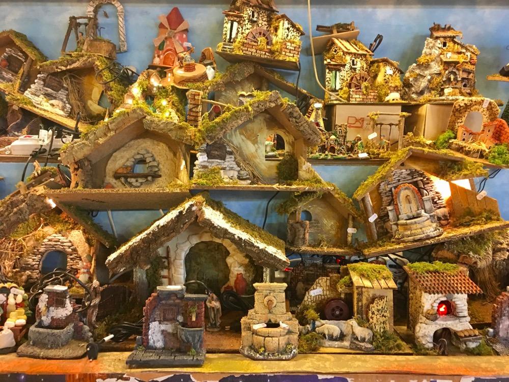 Bologna a Natale: mercatini, albero e luminarie