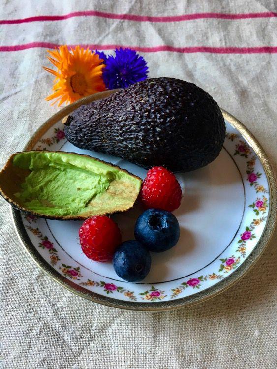 Crostatine con crema di avocado al cacao: ricetta senza glutine