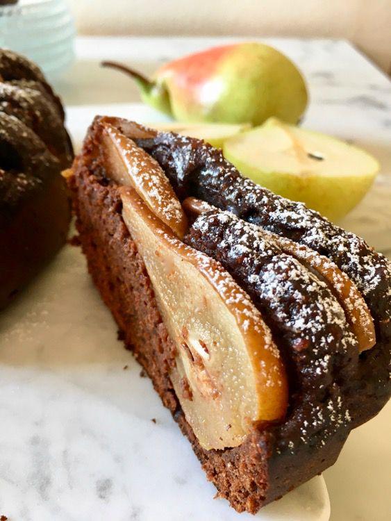 Torta di cacao e pere con farina di pere