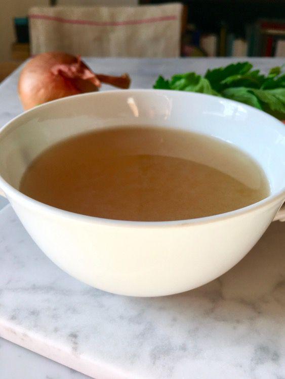 Ricetta del brodo vegetale fatto in casa e le stagioni