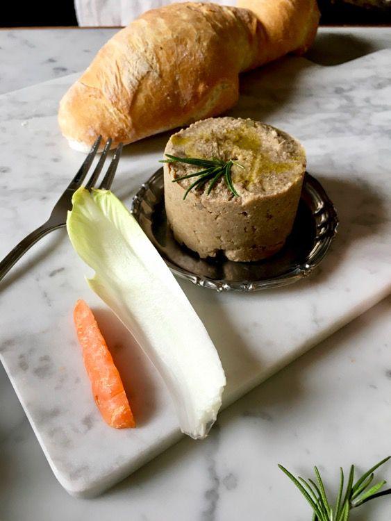 Paté di lenticchie: cremoso, saporito, vegano