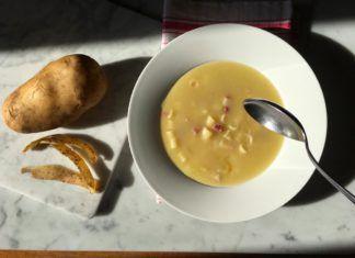 Minestra di pasta, patate e pancetta. Puro comfort food