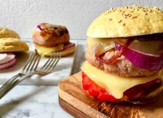 Mortadella Burger con cipolla caramellata + ricetta dei panini