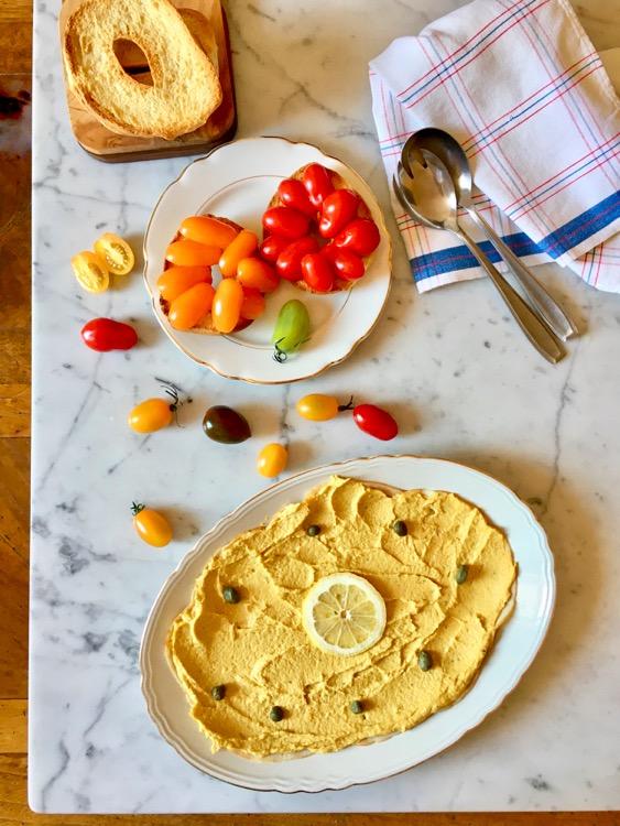 Tacchino arrosto tonnato, ricetta furba e salsa senza maionese
